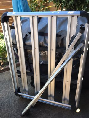 Aluminum rooftop luggage rack