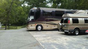 Camper Rv Coach tour bus WASHED AND WAX