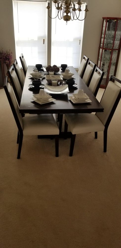 MACYS DINING ROOM SET 8 CHAIRS AND TABLE (Furniture) in Shrewsbury ...