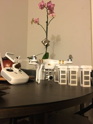 PHANTOM 3 4K!! WITH LOTS OF EXTRAS!!!