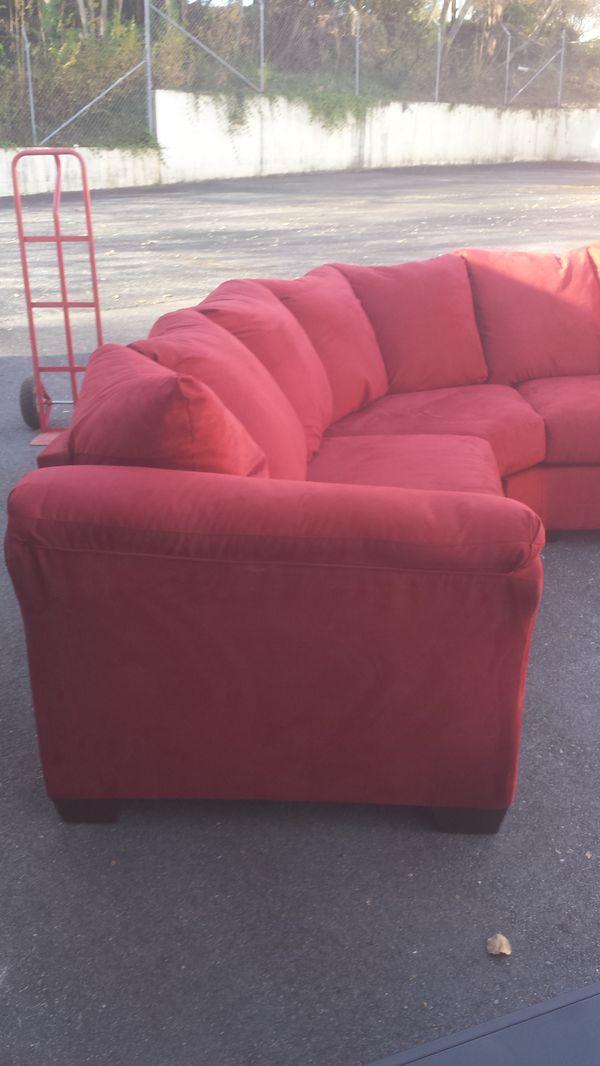 Like new Ashley Furniture 5-piece living room furniture sets ...