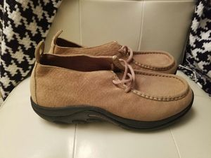Brand New Merrell Beige Suede Shoes Size 8.5 Lawrenceville Ga