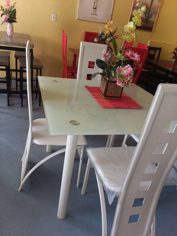 Magnificent Table 4 Chairs Interior Design Ideas Pimpapslepicentreinfo