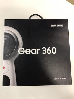 Samsung - Gear 360 Real 360 Degree 4K VR Camera (2017 Edition) - White