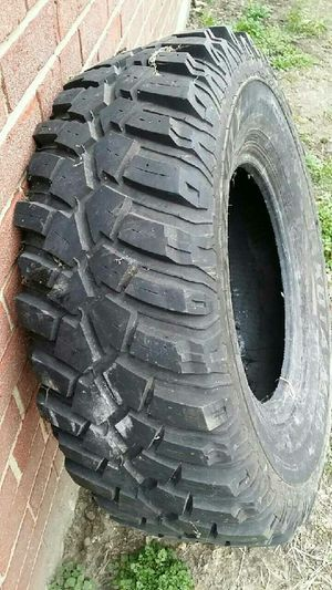 One tire 31×10.50×R15LT new $115 cash .