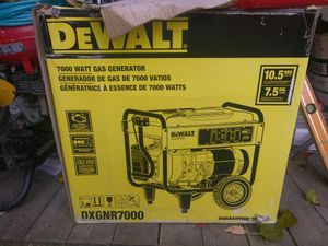 Tengo UN generator nuevo en caja DeWalt 7000 watt ensendido electronico $820 precio firme
