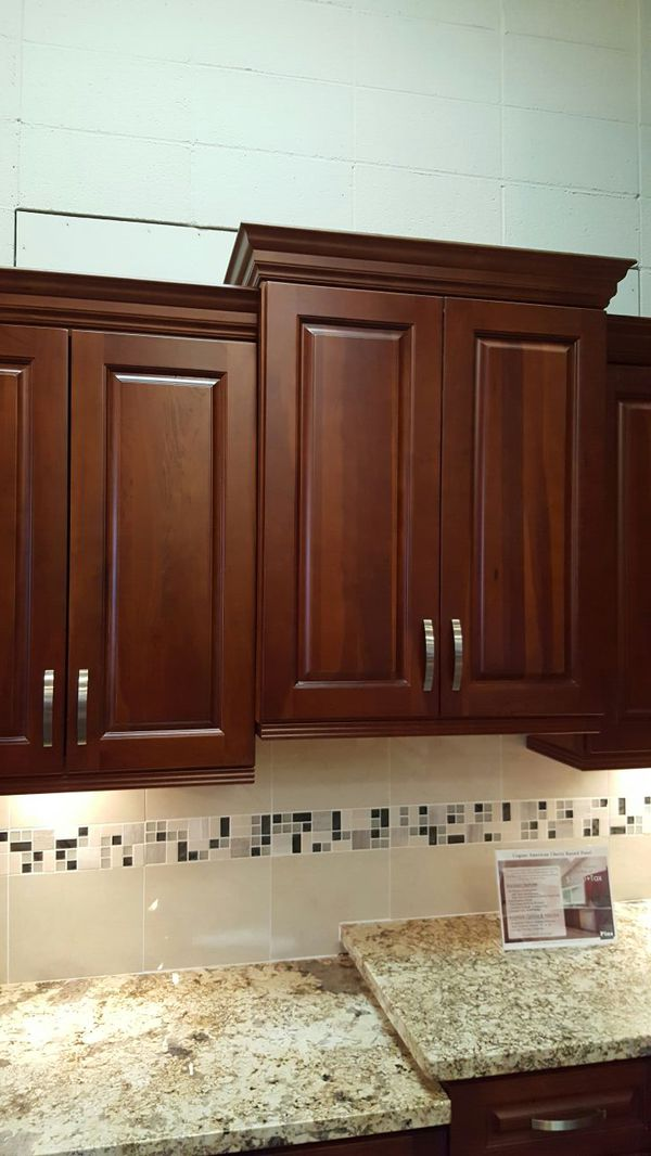 Kitchen cabinet furniture in edmonds wa offerup for Furniture edmonds wa