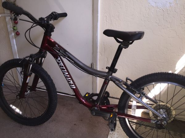 20 5 Speed Specialized Mountain Bike In Excellent Condition