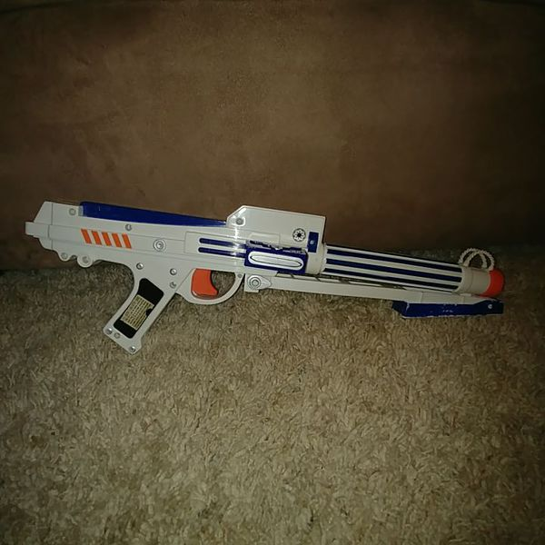 Nerf Toy STAR WARS Clone Trooper Blaster WITH WORKING RED TARGET LIGHT!  (Games & Toys) in Wichita, KS