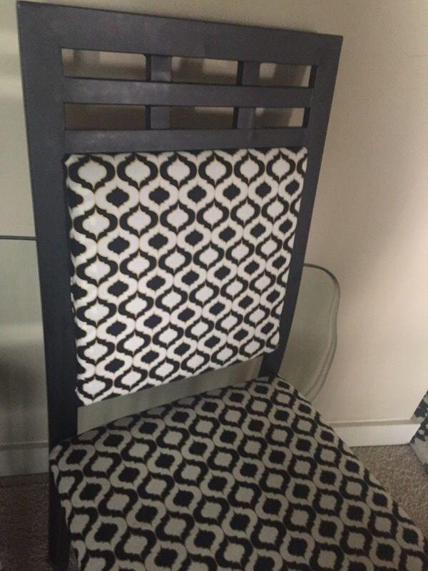 Metal chairs reupholstered furniture in auburn wa for Furniture auburn wa