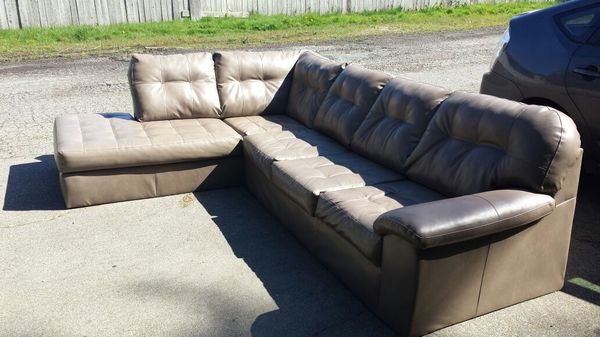 Great sturdy comfy couch furniture in everett wa offerup for Sectional sofas everett wa