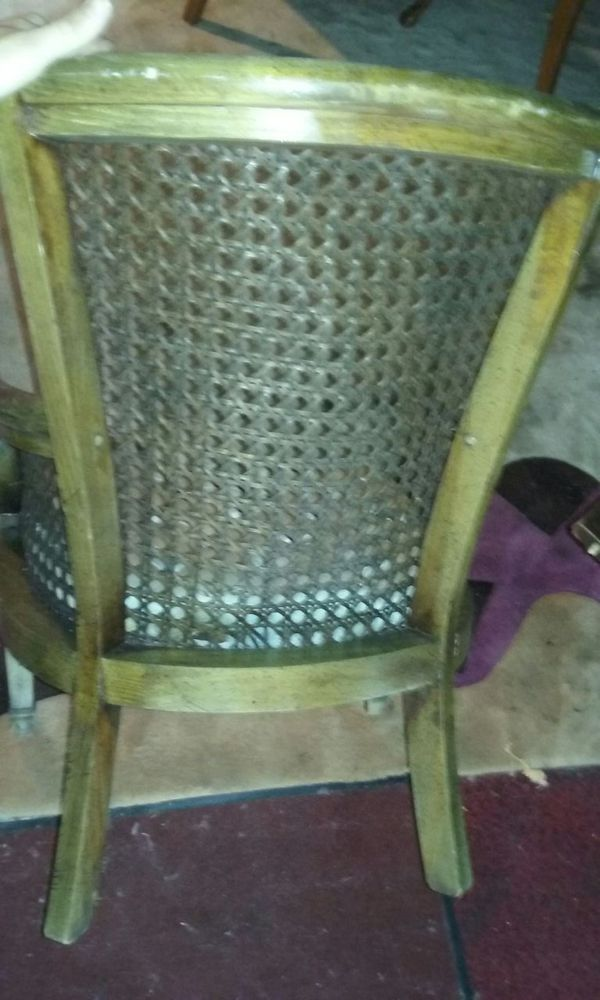 Antique wooden wicker chair furniture in chicago il for Furniture 60614