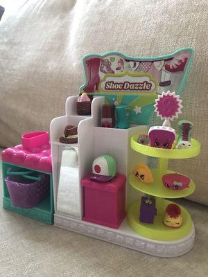Shopkins with stand