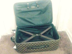 luivatain medium luggage suite case