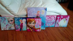 6 piece Frozen wall canvas. In new condition