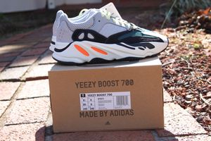 adidas Yeezy Wave Runner 700 Solid Grey size 6.5 DS