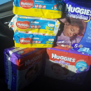 HUGGIES DIAPERS & WIPES size 5