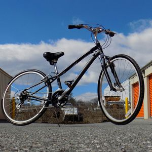 SPECIALIZED Globe (small adult frame) Hybrid Bike