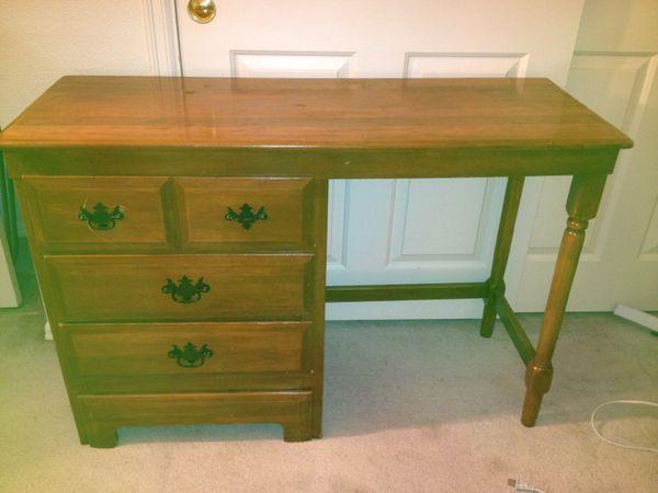 Nice old desk furniture in gig harbor wa offerup for Furniture gig harbor