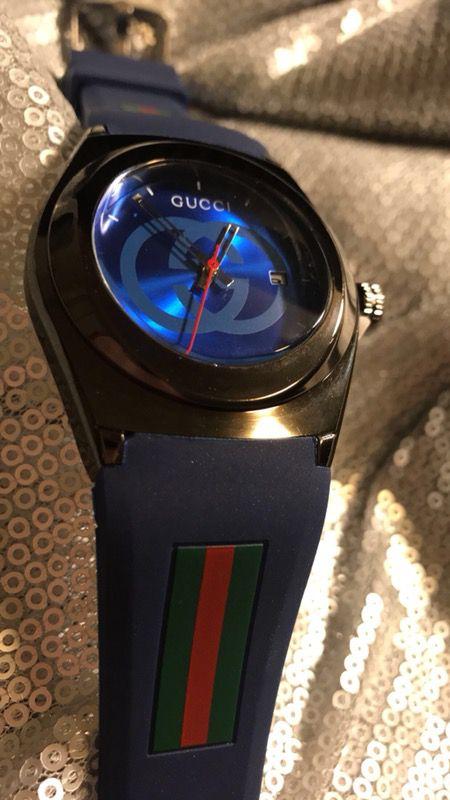 Gucci Analog Watch