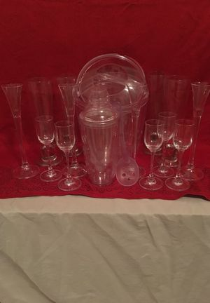 Pampered Chef Cocktail Set with bonus Vintage liquor , Pilsner etc Glasses
