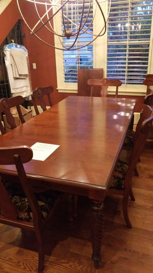 Ethan Allen dining table with 10 chairs