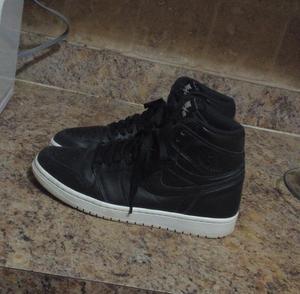 Jordan 1s size 8.5