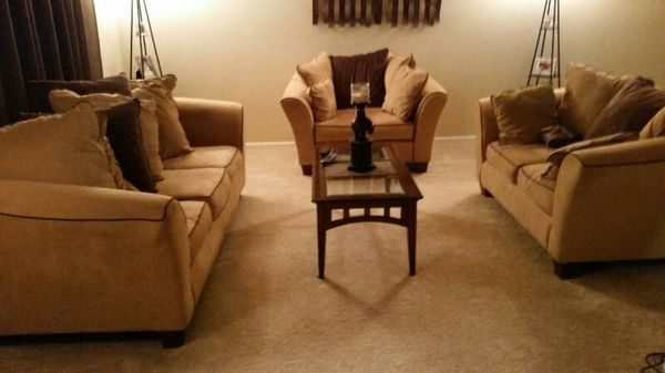 Nice Living Room Furniture Including Table Furniture In Arlington Heights Il Offerup