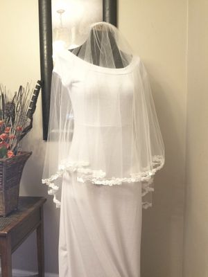 NWOT Ansonia Veil with Lace & Clear Sequins