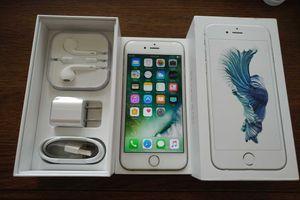 Silver Iphone 6S {64GB} UNLOCKED {like NEW}