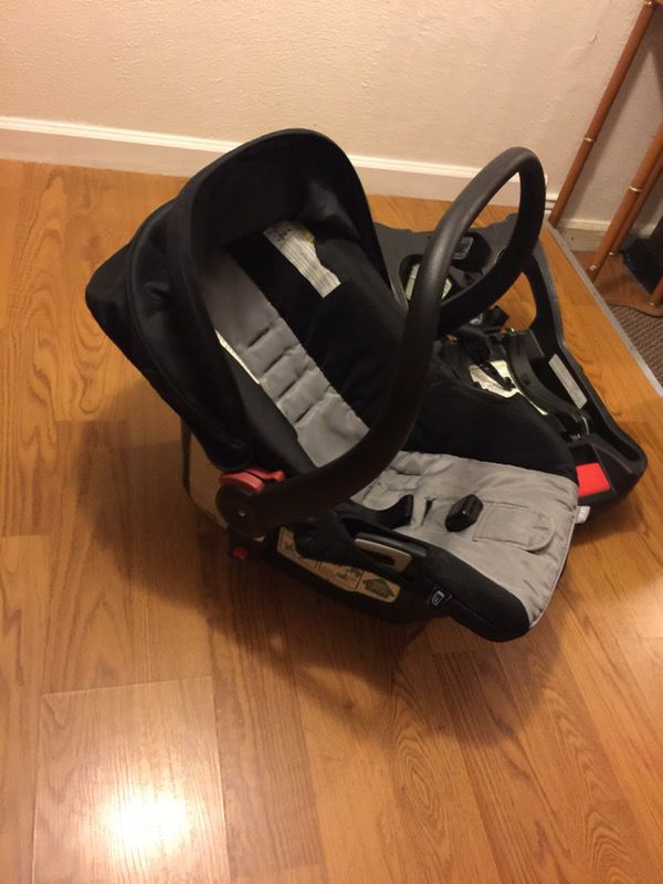 Urbini Infant Car Seat W Base Used And Shows Normal