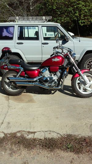 95 v four 750 Honda Magna 14000 miles great shape new inspection new chain and sprockets