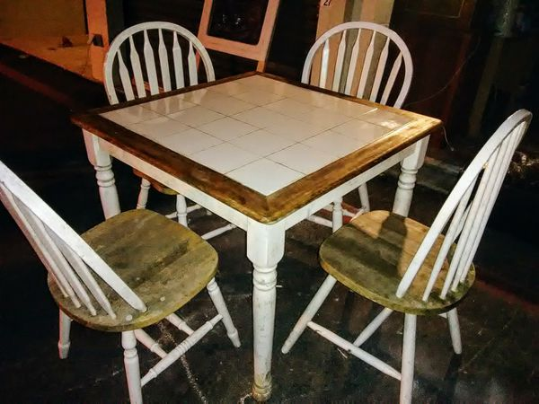 Wood And Tile Dining Room Table With Chairs
