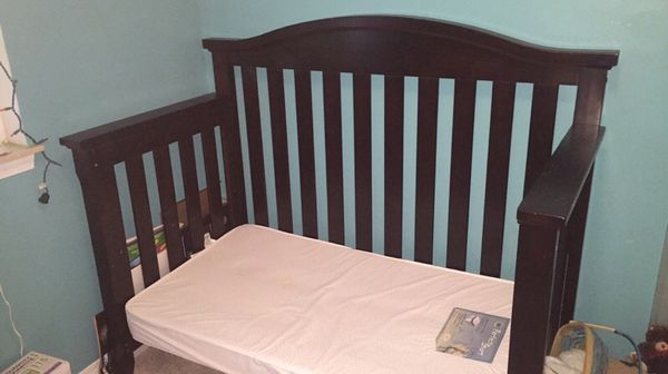 Child craft crib Furniture in Everett WA ferUp