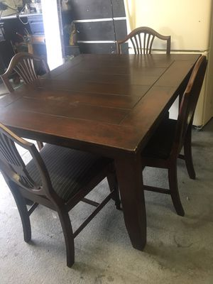 Dining Table W 4 Chairs S 150