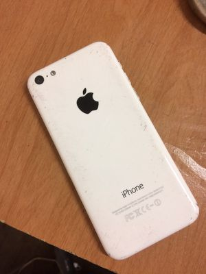 BROKEN SCREEN Unlocked iPhone 5c