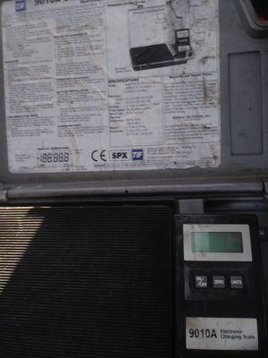 Slimline electronic charging scale