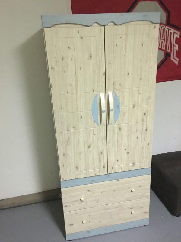 Closet furniture in bremerton wa offerup for Furniture bremerton