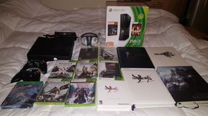 Bkack Xbox 360 250GB + 2 controllers + 9 games + 4 guidebooks