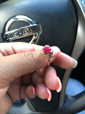 Ring gold 10k rubí diamond size 7.25