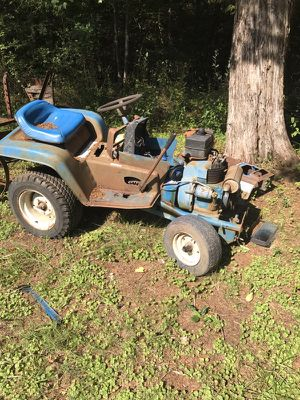 Ford LGT 120 lawn tractor