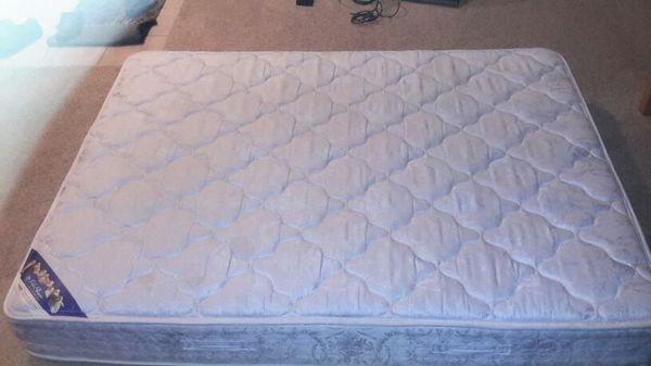used queen mattress. Used Queen Serta Perfect Sleeper Mattress