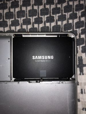 Pre Owned Samsung 500gb SSD in great shape!