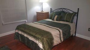 Queen bedroom set!!