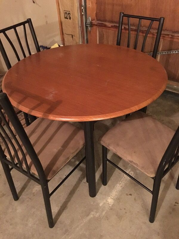 Dining table with 4 matching chairs furniture in for Offer up furniture
