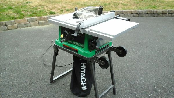 Hitachi Table Saw Only One Hour Of Use Tools Machinery In Snohomish Wa Offerup