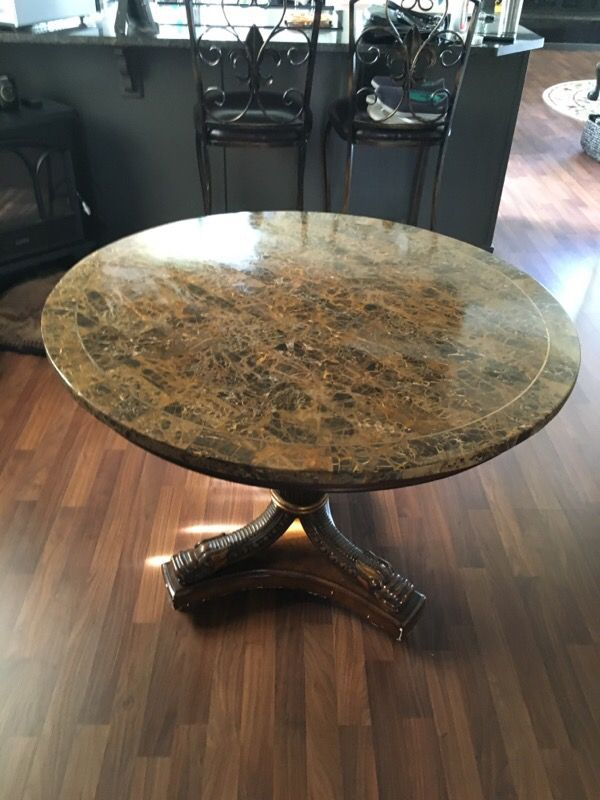 Accent table furniture in auburn wa offerup for Furniture auburn wa