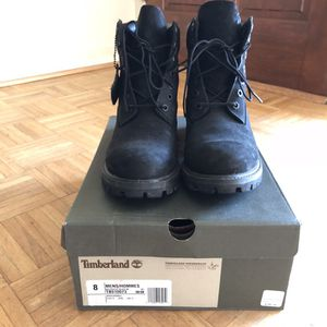 BLACK TIMBS SIZE 8