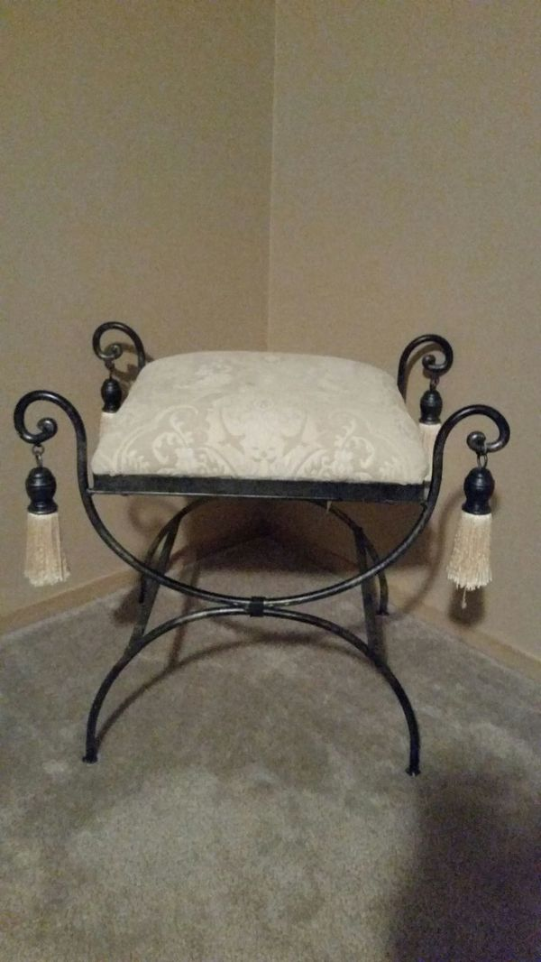 Ottoman furniture in lynnwood wa offerup for Furniture in lynnwood