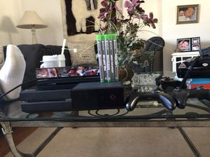 Xbox one 500 gb. With 5 games and connect 2 controls